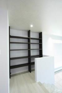 書棚も鹿児島の津曲工業
